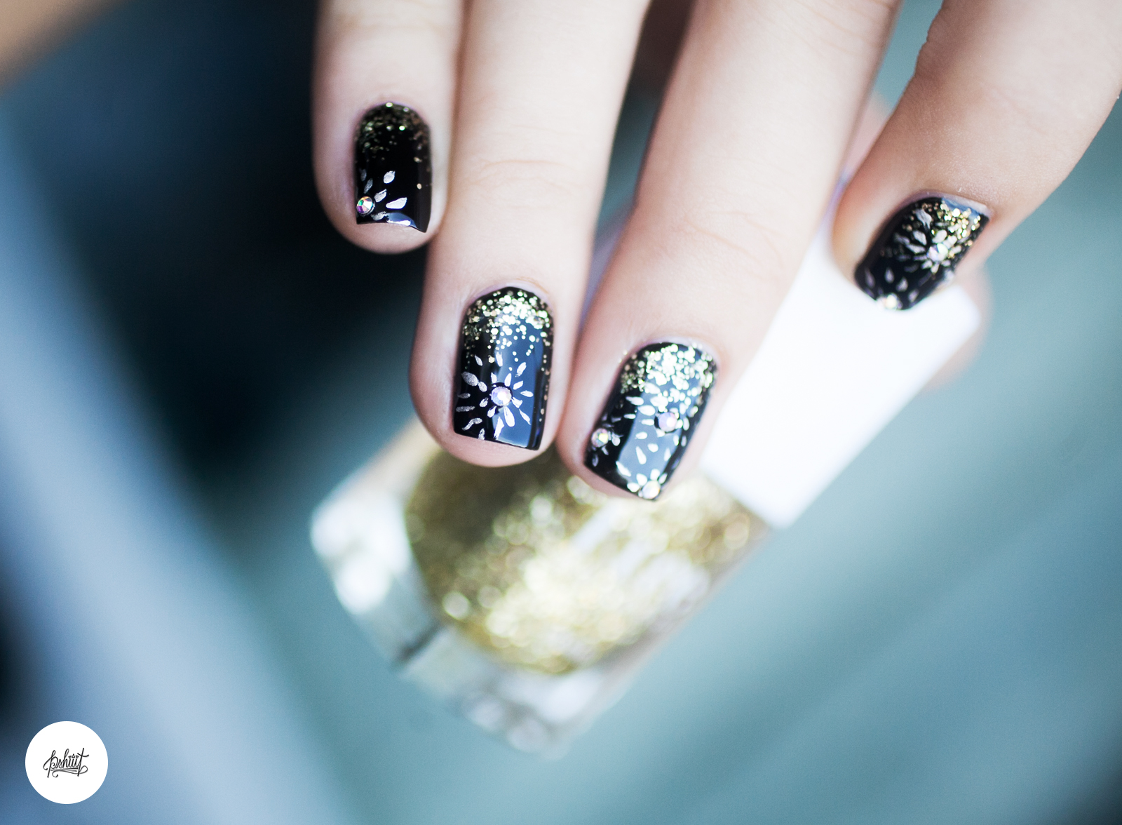 pshiiit-nail-art-nouvel-an-paillettes3
