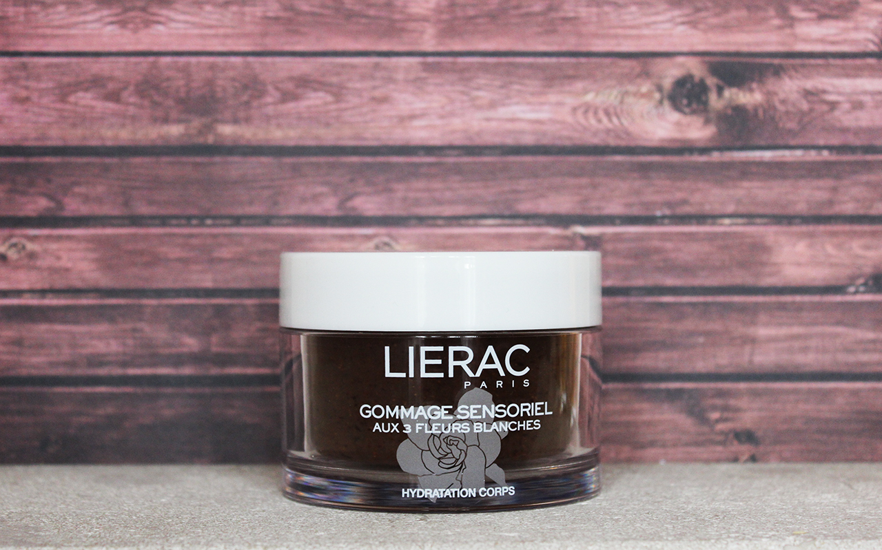 Lierac fleurs blanches gommage